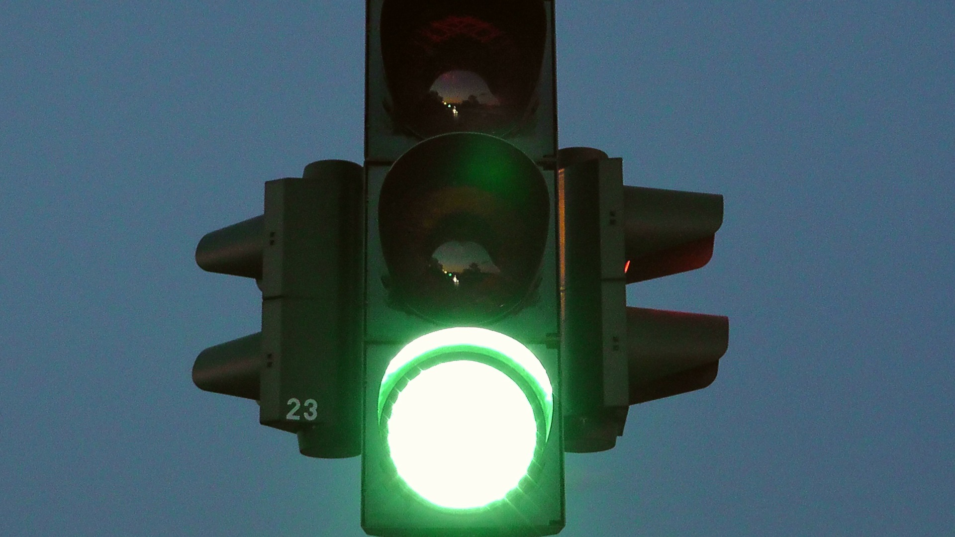 traffic-lights-77320_1920